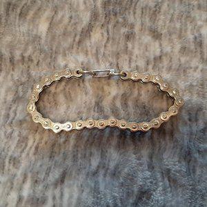 "Silver tone bike chain bracelet approx. 7.5"""